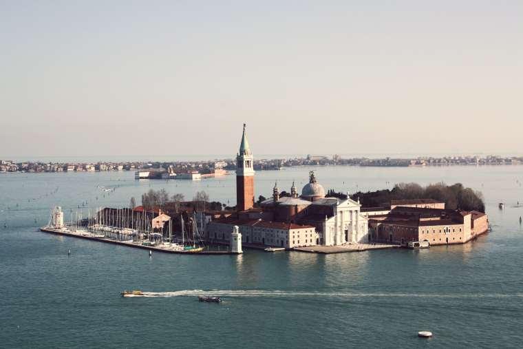 foto isola di San Giorgio dal Campanile di San Marco-min