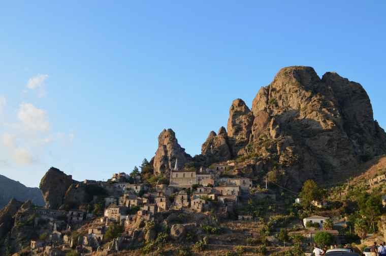 foto borgo Pentedattilo-min