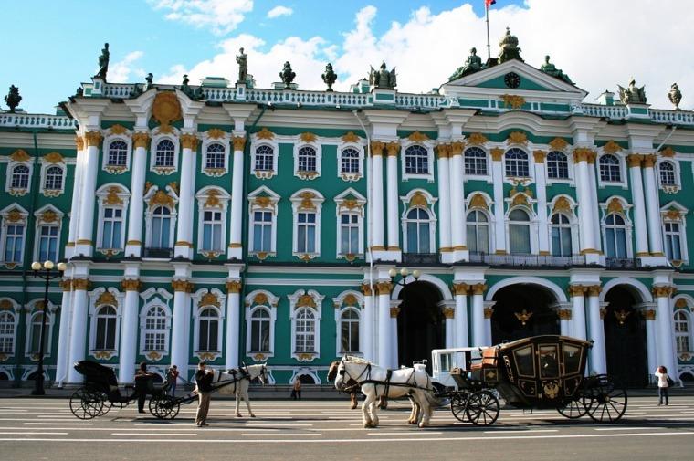 winter-palace-215727_960_720